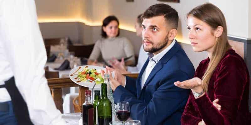 reclamações dos clientes em restaurantes
